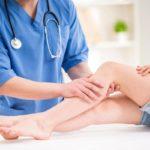Варикозные узлы на ногах: причины и лечение